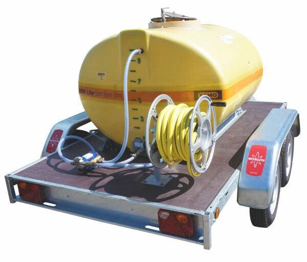 Cuve PFV ovale équipée sur remorque routière 1 000 litres version électrique